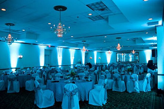 tiffany_blue_wedding_uplighting_hilton_garden_inn_fairfax
